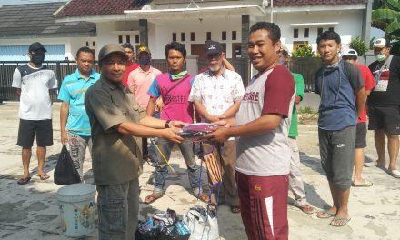 Gerakan Lawan Covid-19 2000 Rupiah, Bagi-Bagi Masker Gratis di Kp. Warnasari Timur Desa Cibeber I – Leuwiliang