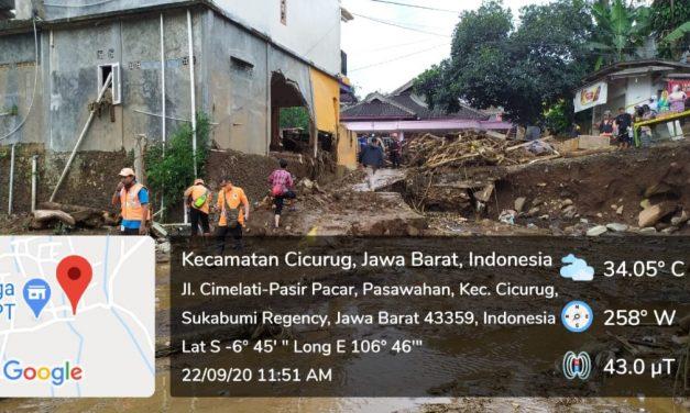 Meski Hujan, Evakuasi Korban Banjir Tetap dilakukan!