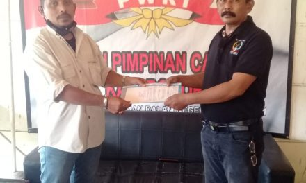 DPC PWRI serahkan SK ke TRC Bogor Barat dan Utara