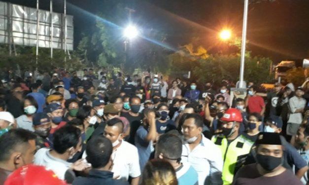 Akibat Bau Menyengat, Pabrik Pengolahan B3 Klapanunggal di Demo Warga
